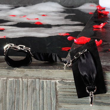 Lelo Sutra, черный Шелковые наручники с цепочкой