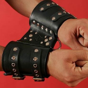 Podium манжеты С соединительным элементом podium наручники черно красные с заклепками