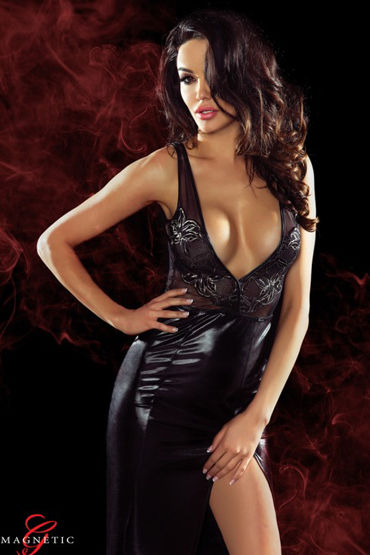 Demoniq Magnetic Jacqueline, черное Длинное платье с глубоким декольте и цветочной вышивкой