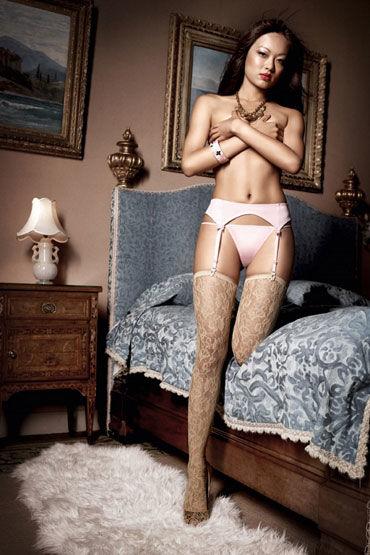 Baci комплект, розовый Стринги и пояс для чулков coquette комплект полупрозрачная сорочка и стринги