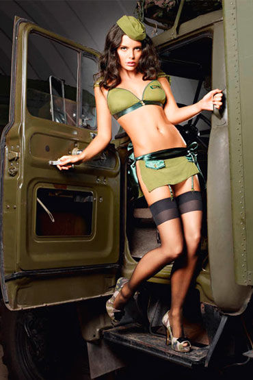 цена Baci Обольстительница Милитари Топ, мини-юбка и пилотка онлайн в 2017 году